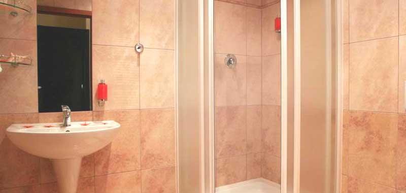 Мебели и обзавеждане за баня на ниски цени