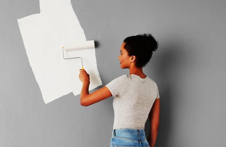 Грундиране на стена